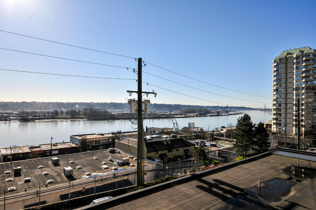 Photo 8: # 208 312 CARNARVON ST in New Westminster: Downtown NW Condo for sale : MLS(r) # V1107681