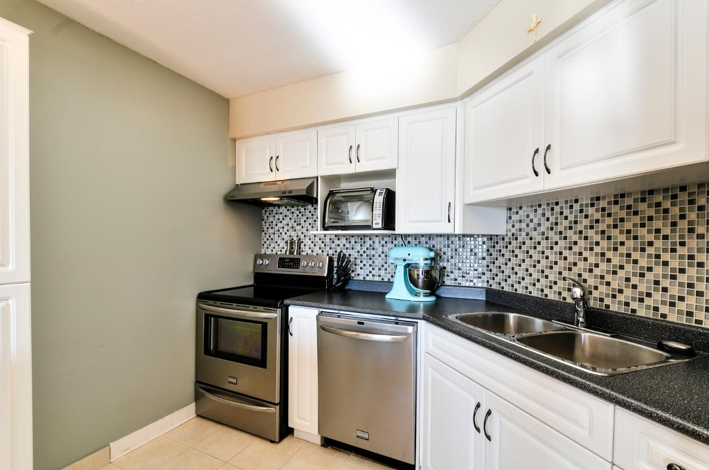 Photo 10: # 208 312 CARNARVON ST in New Westminster: Downtown NW Condo for sale : MLS(r) # V1107681