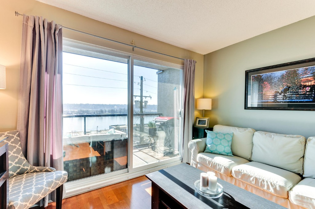 Photo 4: # 208 312 CARNARVON ST in New Westminster: Downtown NW Condo for sale : MLS(r) # V1107681