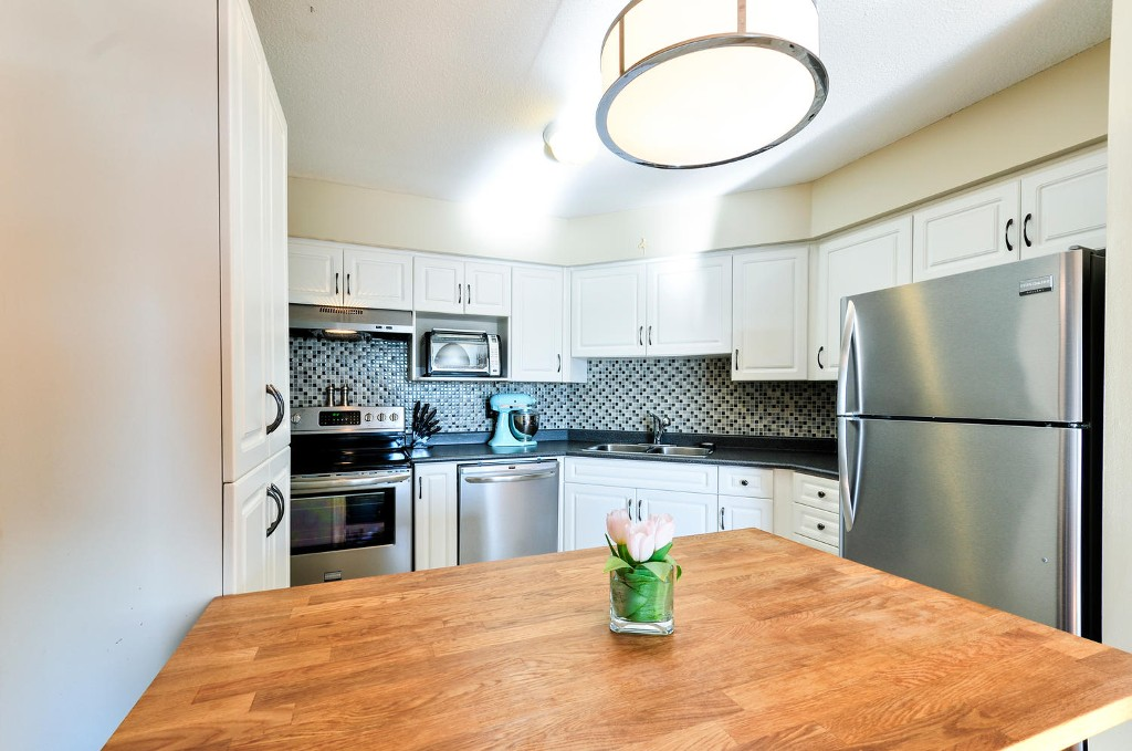 Photo 13: # 208 312 CARNARVON ST in New Westminster: Downtown NW Condo for sale : MLS(r) # V1107681