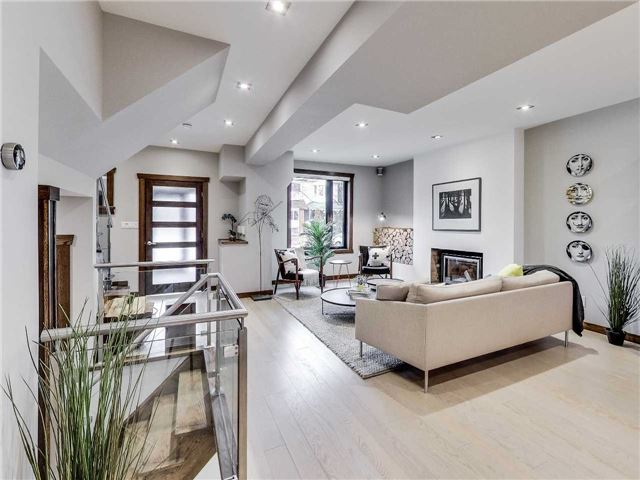 Photo 4: 122 Mavety St in Toronto: High Park North Freehold for sale (Toronto W02)  : MLS(r) # W3692607