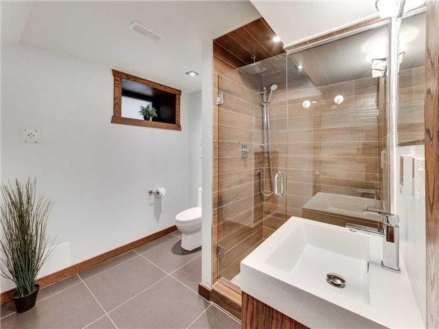 Photo 16: 122 Mavety St in Toronto: High Park North Freehold for sale (Toronto W02)  : MLS(r) # W3692607
