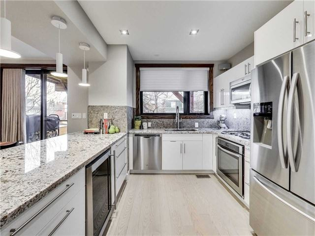 Photo 6: 122 Mavety St in Toronto: High Park North Freehold for sale (Toronto W02)  : MLS(r) # W3692607