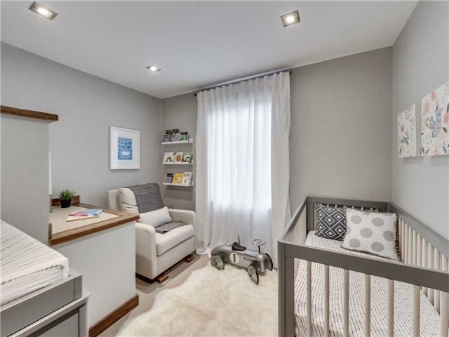 Photo 8: 122 Mavety St in Toronto: High Park North Freehold for sale (Toronto W02)  : MLS(r) # W3692607