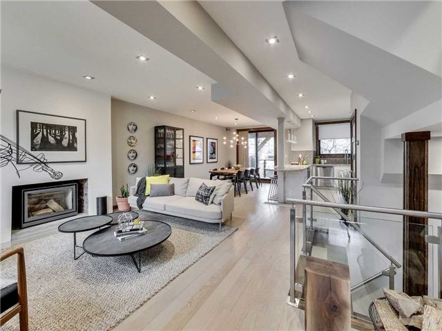 Main Photo: 122 Mavety St in Toronto: High Park North Freehold for sale (Toronto W02)  : MLS(r) # W3692607