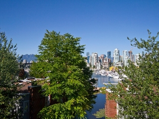 Main Photo: 302 1540 MARINER Walk in Vancouver: False Creek Condo for sale (Vancouver West)  : MLS(r) # V1016091