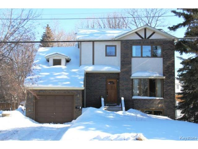 Main Photo: 779 Laxdal Road in WINNIPEG: Charleswood Residential for sale (South Winnipeg)  : MLS(r) # 1403542