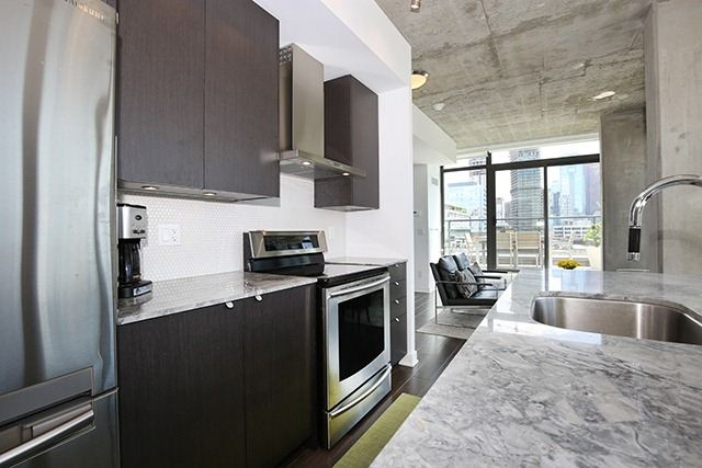 Photo 18: 32 Camden St Unit #Ph 5 in Toronto: Waterfront Communities C1 Condo for sale (Toronto C01)  : MLS® # C3240912