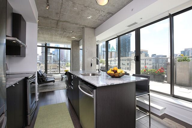 Photo 11: 32 Camden St Unit #Ph 5 in Toronto: Waterfront Communities C1 Condo for sale (Toronto C01)  : MLS® # C3240912