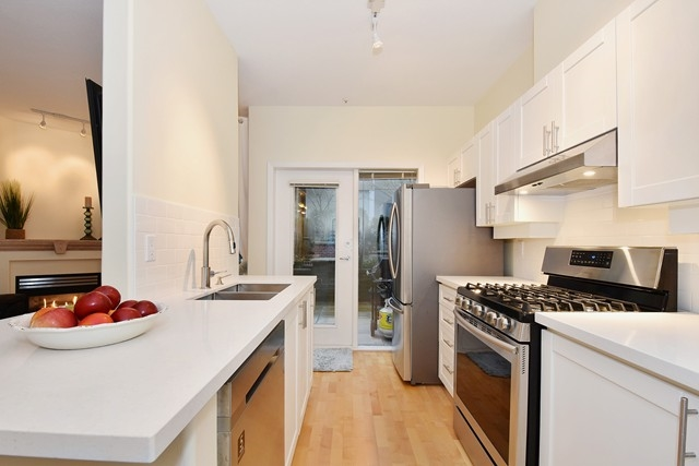 Photo 8: 107 2688 VINE STREET in Vancouver: Kitsilano Condo for sale (Vancouver West)  : MLS(r) # R2037342