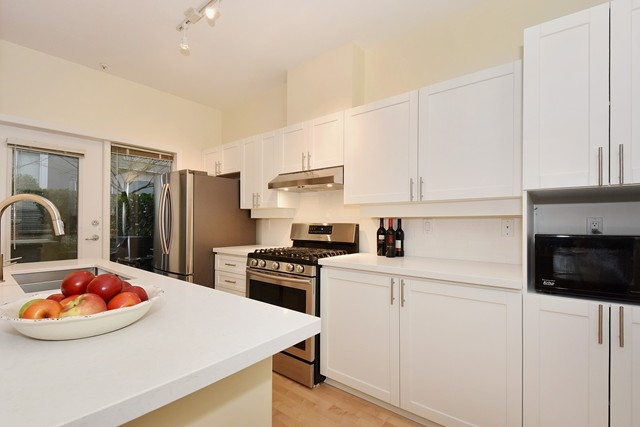 Photo 7: 107 2688 VINE STREET in Vancouver: Kitsilano Condo for sale (Vancouver West)  : MLS(r) # R2037342