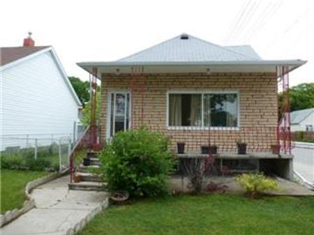 Main Photo: 880 ST MATTHEWS Avenue: Residential for sale (West End)  : MLS® # 1111896