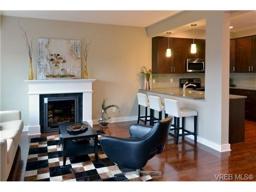 Photo 3: 1010 Grob Court in : La Westhills Residential for sale (Langford)  : MLS(r) # 331631