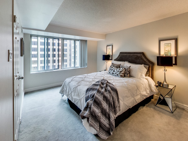 Photo 17: 1210 33 University Avenue in Toronto: Bay Street Corridor Condo for sale (Toronto C01)  : MLS(r) # C3079433