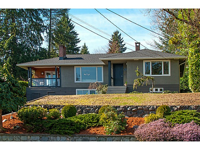 Main Photo: 935 HUNTINGDON CR in North Vancouver: Dollarton House for sale : MLS®# V1109572