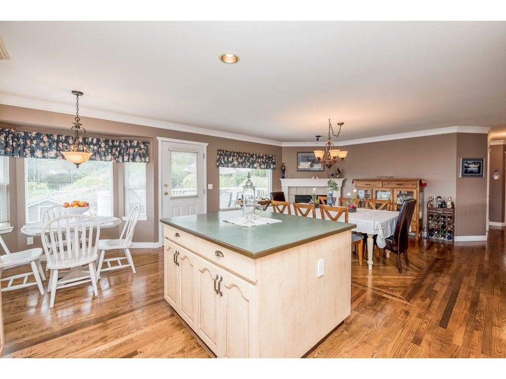 Photo 11: 35840 REGAL PARKWAY in Abbotsford: Abbotsford East House for sale : MLS(r) # R2079720