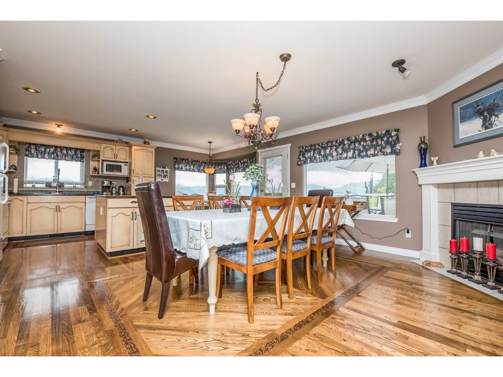 Photo 7: 35840 REGAL PARKWAY in Abbotsford: Abbotsford East House for sale : MLS(r) # R2079720