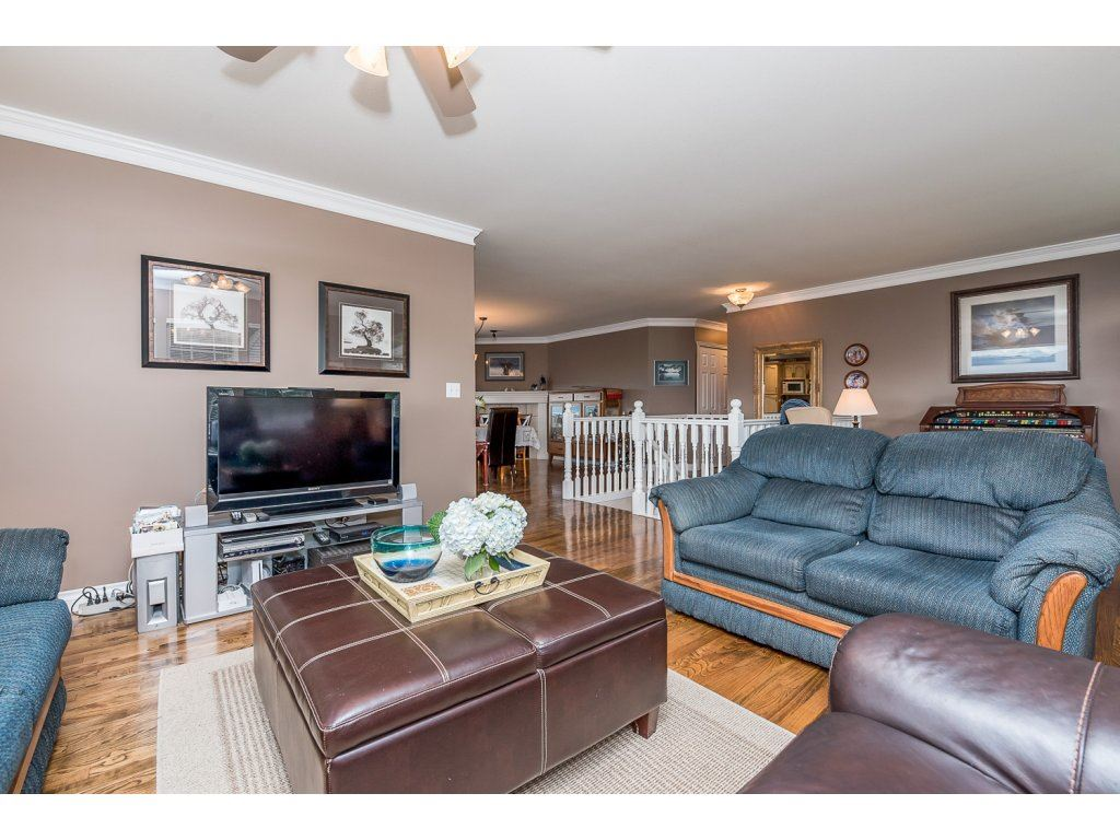 Photo 4: 35840 REGAL PARKWAY in Abbotsford: Abbotsford East House for sale : MLS(r) # R2079720