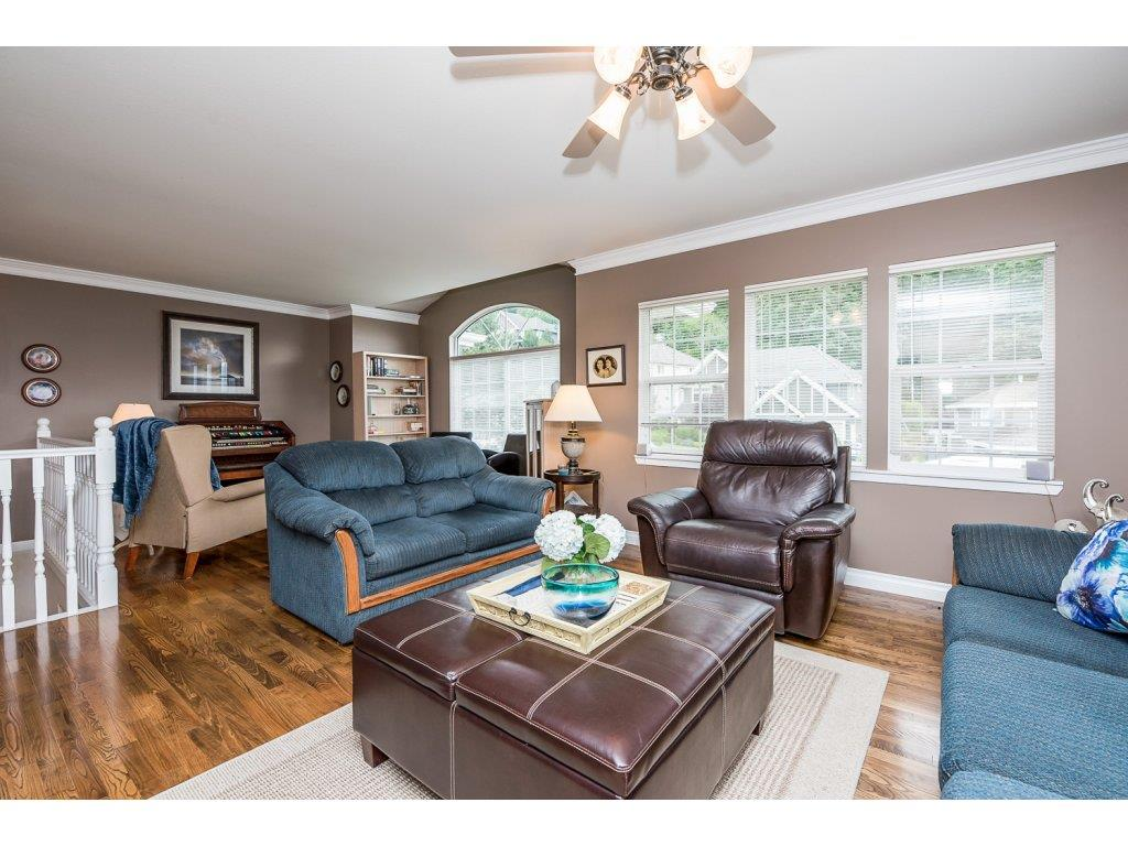 Photo 3: 35840 REGAL PARKWAY in Abbotsford: Abbotsford East House for sale : MLS(r) # R2079720