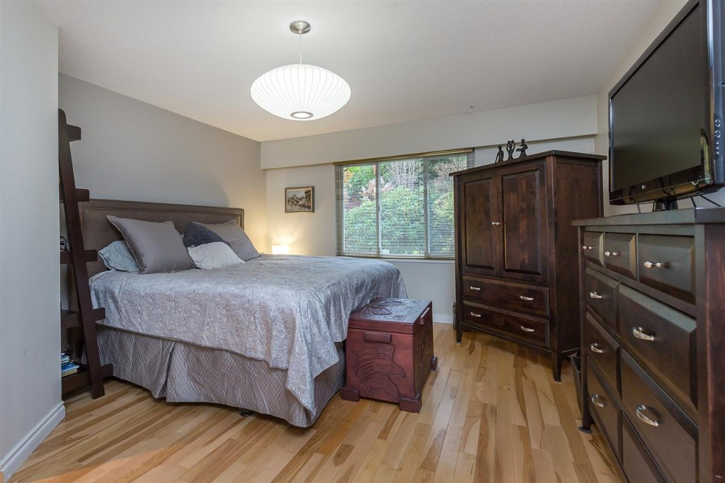 Photo 6: 1015 Ogden Street in Coquitlam: Ranch Park House for sale : MLS® # R2131815