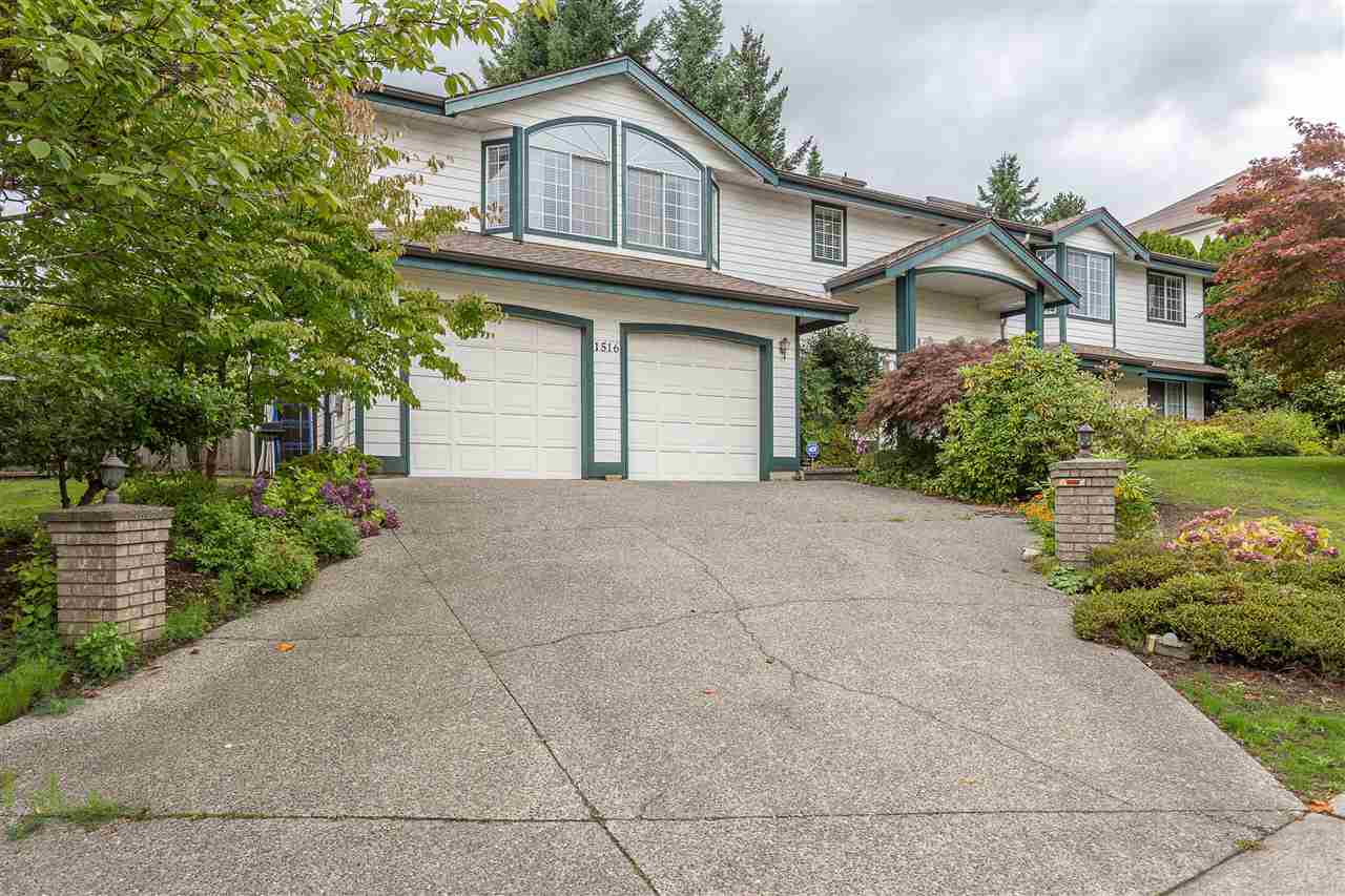 FEATURED LISTING: 1516 PARKWAY Boulevard Coquitlam
