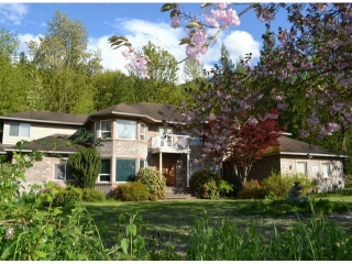 Main Photo: 7830 PATTERSON Road in Chilliwack: Eastern Hillsides House for sale : MLS(r) # H1301768