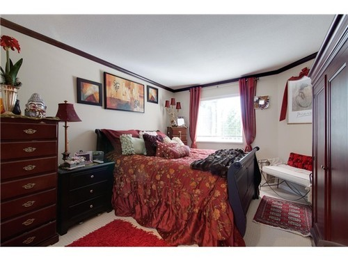 Photo 7: 305 526 13TH Street in New Westminster: Uptown NW Home for sale ()  : MLS® # V971604