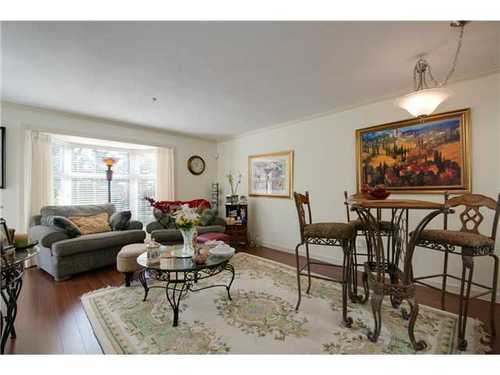 Photo 2: 305 526 13TH Street in New Westminster: Uptown NW Home for sale ()  : MLS® # V971604
