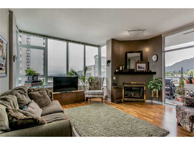 "Main Photo: 402 120 W 16TH Street in North Vancouver: Central Lonsdale Condo for sale in ""The Symphony"" : MLS® # V1024272"