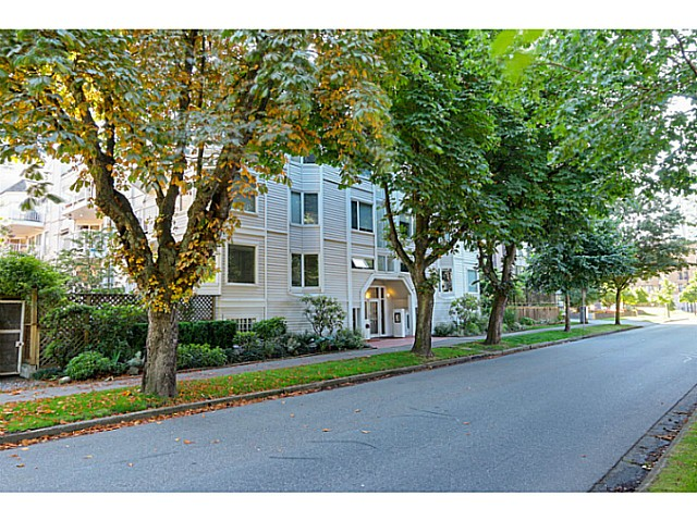 "Main Photo: 407 1147 NELSON Street in Vancouver: West End VW Condo for sale in ""The Somerset"" (Vancouver West)  : MLS® # V1074835"