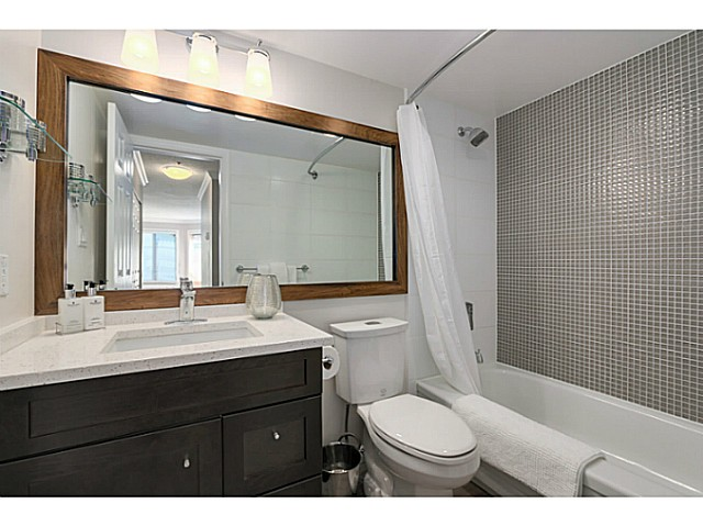 "Photo 2: 407 1147 NELSON Street in Vancouver: West End VW Condo for sale in ""The Somerset"" (Vancouver West)  : MLS(r) # V1074835"