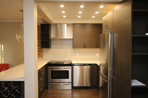 Updated Designer Kitchen with Wine Fridge and ample storage