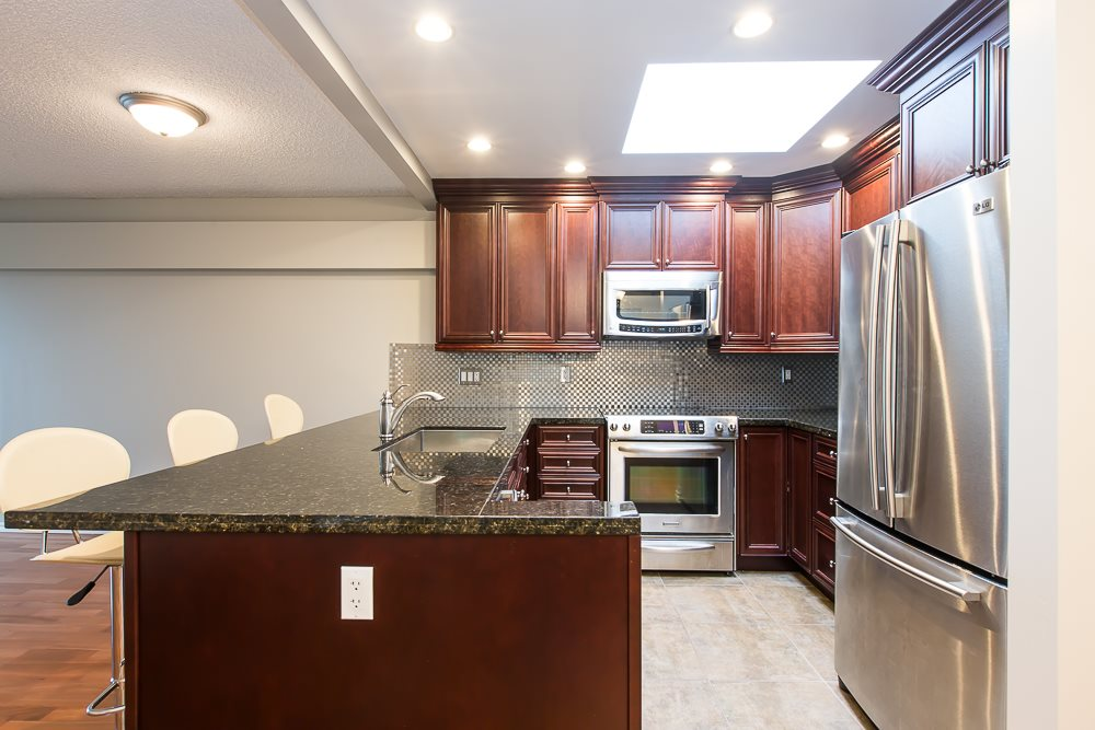 Photo 10: 305 1082 W 8TH AVENUE in Vancouver: Fairview VW Condo for sale (Vancouver West)  : MLS® # R2033511