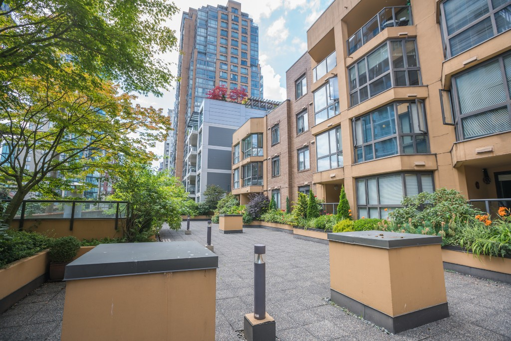 Photo 20: 906 488 HELMCKEN STREET in Vancouver: Yaletown Condo for sale (Vancouver West)  : MLS® # R2086319