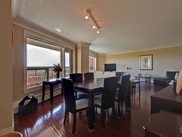 Photo 4: #401 12319 JASPER AV NW in Edmonton: Zone 12 Condo for sale : MLS® # E4009737