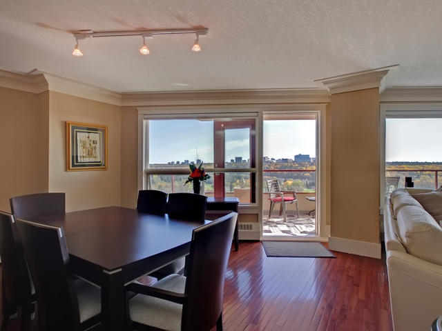 Photo 5: #401 12319 JASPER AV NW in Edmonton: Zone 12 Condo for sale : MLS® # E4009737
