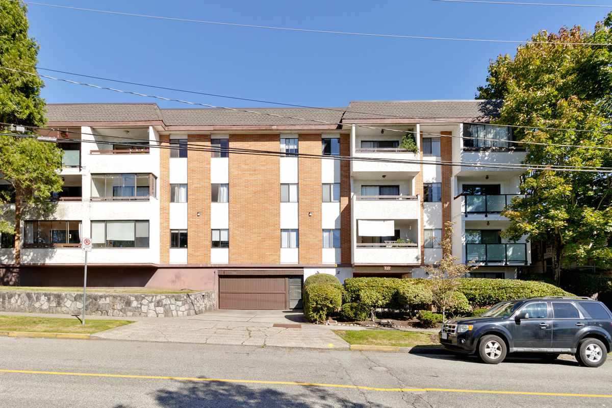 FEATURED LISTING: 206 - 515 ELEVENTH Street New Westminster