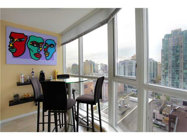 Photo 3: 1602 1199 SEYMOUR Street in Vancouver: Downtown VW Condo for sale (Vancouver West)  : MLS® # V949632