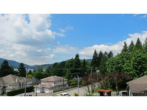 Photo 2: 1251 IOCO Road in Port Moody: Barber Street Home for sale ()  : MLS® # V1009133