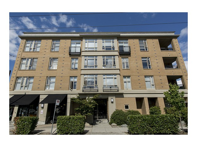 Main Photo: # 105 205 E 10TH AV in Vancouver: Mount Pleasant VE Condo for sale (Vancouver East)  : MLS® # V1082695