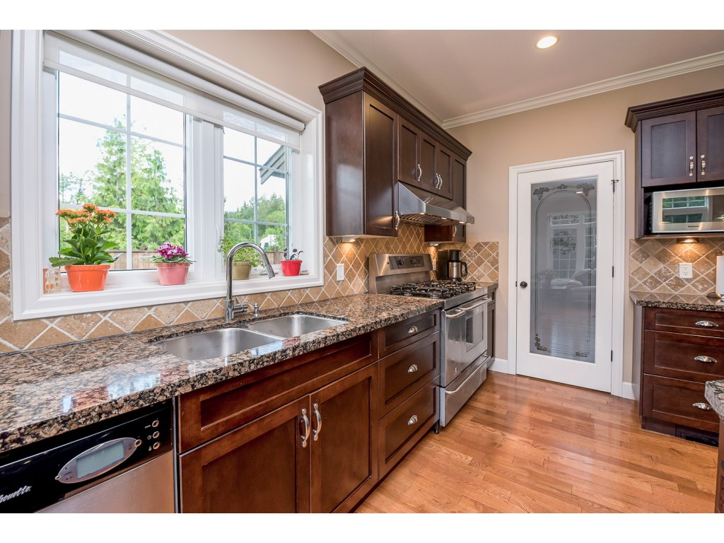 Photo 11: 32384 Richards Avenue in Mission: Mission BC House for sale