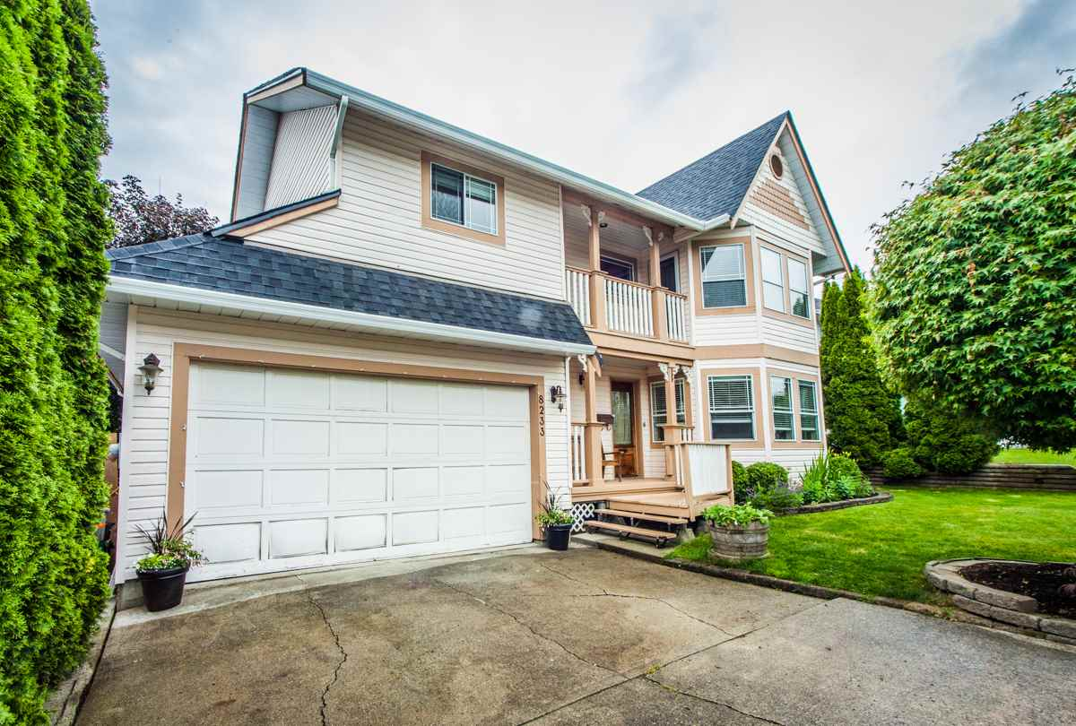 Main Photo: 8233 FUJINO STREET in Mission: Mission BC House for sale : MLS® # R2080943