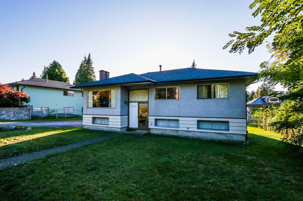 Main Photo: 830 POIRIER STREET in Coquitlam: Harbour Place House for sale : MLS® # R2113394