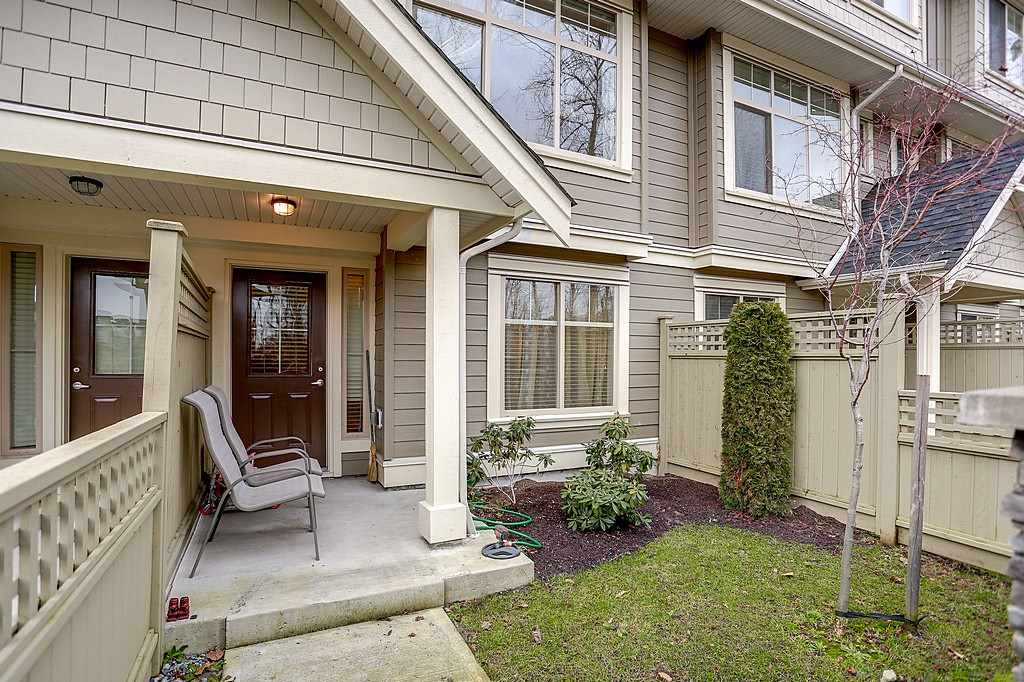 Photo 4: 6 19525 73 AVENUE in Surrey: Clayton Townhouse for sale (Cloverdale)  : MLS® # R2135656