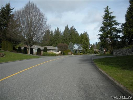 Photo 2: 1632 Barrett Drive in NORTH SAANICH: NS Dean Park Single Family Detached for sale (North Saanich)  : MLS(r) # 305989