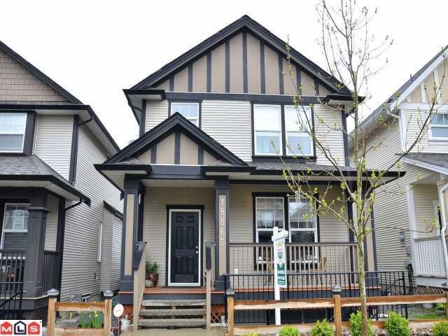 Main Photo: 18865 67A Avenue in Surrey: Clayton House for sale (Cloverdale)  : MLS® # F1210481