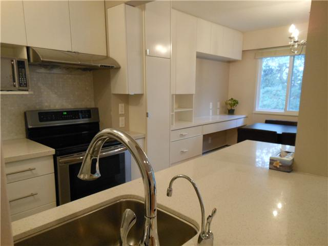 Photo 5: 8 5515 OAK Street in Vancouver: Shaughnessy Condo for sale (Vancouver West)  : MLS(r) # V978668