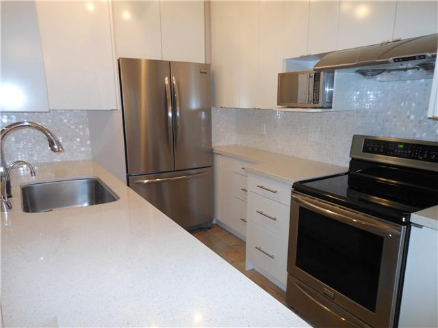 Photo 4: 8 5515 OAK Street in Vancouver: Shaughnessy Condo for sale (Vancouver West)  : MLS(r) # V978668