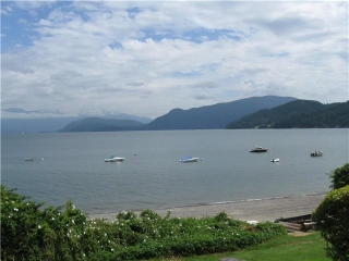 "Main Photo: 1106 POINT Road in Gibsons: Gibsons & Area House for sale in ""Hopkins Landing"" (Sunshine Coast)  : MLS(r) # V987108"