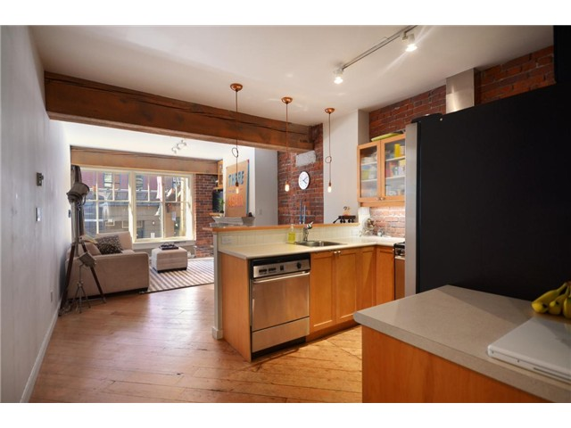 Photo 3: 201 1178 HAMILTON Street in Vancouver: Yaletown Condo for sale (Vancouver West)  : MLS(r) # V988978